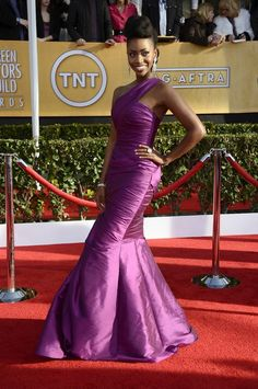 Fashion On The SAG Awards Red Carpet