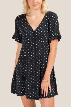 Kira Polka Dot Skater Dress with Button Front Detail Stylish Dresses, Casual Dresses, Girls Dresses, Colette, Dress For Success, Skater Dress, Ideias Fashion, Polka Dots, Short Sleeve Dresses
