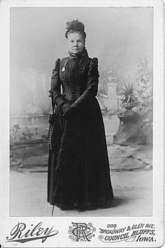 Uncover the history of the pioneer women of Iowa through their diaries and letters. | 13 Things For History Lovers To Do Online When They're Bored