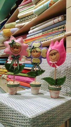 Vasetti di fiori lavorati con feltro: Margherita, Violetta e Tulipano