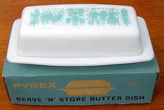 Pyrex Butterprint butter dish with original box