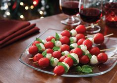 Holiday Cheer Caprese Skewers                                                                                                                                                                                 Mais