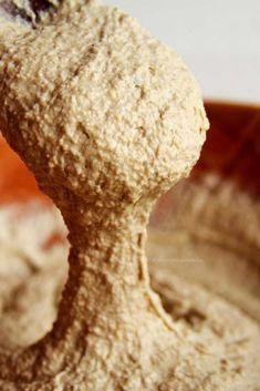 Massa de pão de aveia fit com apenas 5 ingredientes rápido e fácil de preparar. É sem ovo, sem farinha, sem leite, vegano e saboroso!