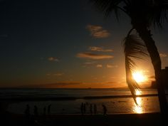 Waikiki sunset. Watch the sun go down over the Northern Pacific. #hawaii #waikiki #sunset