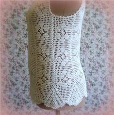 detalhe da blusa branca