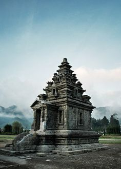 Arjuna temple, Wonosobo, Indonesia. Source: indonesia.deviantart.com