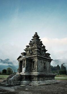 Arjuna temple, Wonosobo, Indonesia. Source: indonesia.deviantart.com