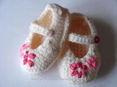 Girl crochet shoes- free pattern