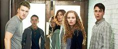 Risale a qualche giorno fa la notizia di TVWise secondo cui la rete britannica E4 ha rinnovato Misfits per quinta stagione di otto episodi, in onda presumibilmente nel secondo semestre di questo 2013.