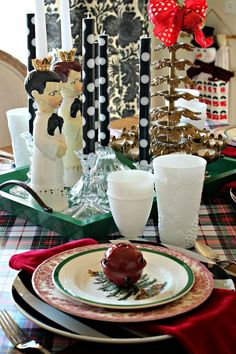 Red transfer ware plates with my Spode.  Vintage candle stick holders with b/w candles 12 DAYS OF CHRISTMAS 2014 TOUR OF HOMES