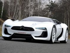 "The #GT by Citroën's exterior design was made by Takumi Yamamoto, a Japanese designer from Jean-Pierre Ploué's Style Citroën design team. Takumi Yamamoto was a childhood friend of Kazunori Yamauchi, director of Polyphony Digital and creator of the popular Gran Turismo franchise, also known as ""Gegge""."
