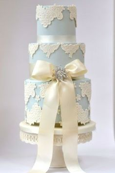 Blue Vintage Wedding Cake With Diamantie bow    #blue #wedding #cake