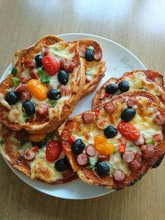 Vegetable Pizza, Vegetables, Food, Meal, Essen, Vegetable Recipes, Hoods, Meals, Vegetarian Pizza
