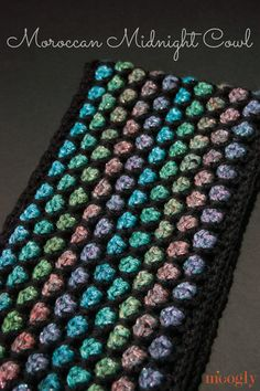 Moroccan Midnight Cowl: free #crochet pattern!  http://www.mooglyblog.com/moroccan-midnight-cowl/