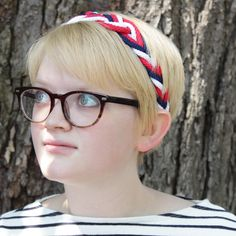 I think I found my go-to accessory for the spring! This nautical headband looks fabulous & is easy to make. Win - win! Courtesy of 'Hands Occupied'!