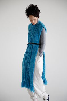 Blue scarf/poncho with a belt. minä perhonen AW2014 folk, lagenlook, scandi chic interpretation of textural edgy layered knit look for autumn 2014