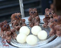 Or a chocolate teddy bear. | This Peter Pan Wedding Will Make You Feel Like A Kid Again