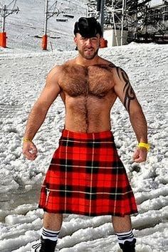 In the snow, but hot, hot, hot! lol Hairy chest and a kilt, a definite win ; Michael Stokes, Wallace Tartan, Scottish Man, Scottish Dress, Scottish Kilts, Men In Kilts, Komplette Outfits, Hommes Sexy, Bear Men
