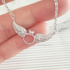 Round Diamond Ring Angle Wings Charm Pendant Necklace White Gold Over Heart Jewelry, Cute Jewelry, Jewelry Gifts, Jewelery, Angel Wing Necklace, Gold Jewelry Simple, Accesorios Casual, Gold Jewellery Design, Silver Jewellery