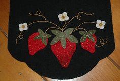 Strawberry Penny Rug Applique