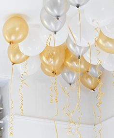 gold-white-and-silver-balloons
