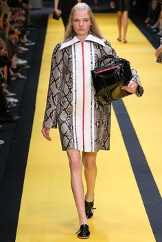 Carven - Spring 2015 Ready-to-Wear - Look 17 of 38