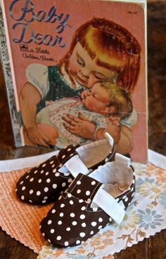 Cozy Cuddly, Polka Dot Baby Shoes ... from 'babydear' on Lilyshop for $13.00