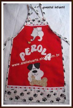 Avental infantil personalizado. confeccionado em tecido oxford liso, e tecido de algodão para os barrados aplicação e cor a escolha do cliente. R$ 28,00