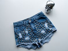 www.redreidinghood.com RED REIDING HOOD: Fashion blogger One Teaspoon shorts KO The Sting high waisted denim shorts studded jeans shorts studs Amy & Ivy Gold silver skull rock edgy fashion