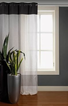 30 ideas de cortinas modernas venecianas estores y for Cortinas blancas dormitorio