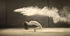 Brussels-based photographer Jeffrey Vanhoutte, together with creative agency Norvell Jefferson, has created a photo series and video that beautifully capture a dancer's elegant movements with expressive bursts of white powder.The team used high-speed cameras to capture slow-motion footage and photos of each cloud of powder left behind by the dancer's expressive movements.