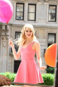 WXgVuP9 - Beautiful Emma Stone (100 Photos)