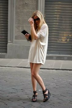 white shirt purse and sandals