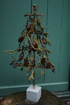 Cute shape of feather tree. Goes with my primitive stuff.