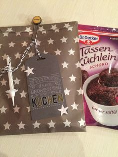 Kleines Geburtstagsmitbringsel - Tassenküchlein hübsch verpackt