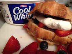 Nutella and Berries Croissant w/ #COOLWHIP via www.themavenofsocialmedia.com
