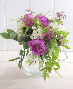 芍薬と紫陽花の花束 パラレルとスパイラルのスパイラル