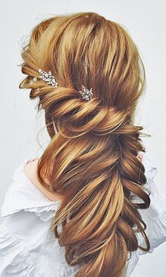 18 Most Romantic Bridal Updos & Wedding Hairstyles Romantic Bridal Updos, Romantic Wedding Hair, Romantic Hairstyles, Wedding Hairstyles For Long Hair, Bridal Hairstyles, Wedding Updo, Down Hairstyles, Pretty Hairstyles, Hairstyle Ideas