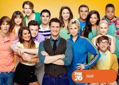 Os New Directions têm novas canções para compartilhar. Já em Nova Iorque os egressos de McKinley perseguem seus sonhos. Glee - Nova temporada, sábado, 4 de janeiro, 18H30 #SouGleek http://www.canalfox.com.br/glee