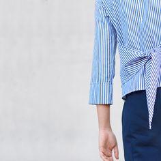 Streifenshirt mit Knotendetail.  #opusfashion #fashion #blouse #blue