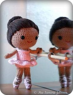 With this pattern by Owlishly you will lear how to knit a Brisa the ballerina amigurumi doll step by step. It is an easy tutorial about brisa to knit with crochet or tricot. Crochet Amigurumi, Amigurumi Patterns, Amigurumi Doll, Crochet Patterns, Crochet Snowman, Doll Patterns, Cute Crochet, Crochet Baby, Knit Crochet