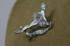 vintage 50s pin / ice skating pin / ice by livinvintageshop