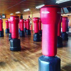 Lessivé après avoir tapé sur ces gros trucs rouges pendant une heure ! #fitboxing