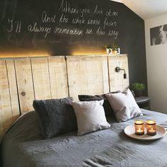 Typisch Vleugje_Eef - Alles om van je huis je Thuis te maken | HomeDeco.nl Beams, Brick, Studio, Shabby, New Homes, Room Decor, Bedroom, House, Future