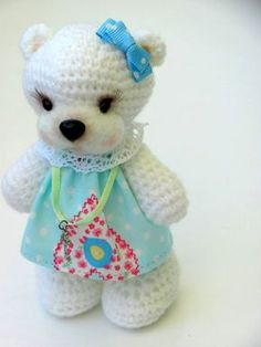 Cute Amigurumi Bear - FREE Crochet Pattern and Tutorial