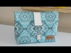 YouTube Diy Makeup Bag, Diy Purse, Pouch, Wallet, Bag Making, Cosmetic Bag, Diy And Crafts, Sewing Projects, Sewing Patterns