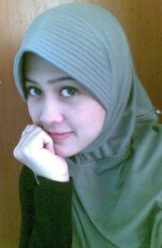 lucky laki: cewek cantik berjilbab ...  | #hijab #cantik @bandungONe