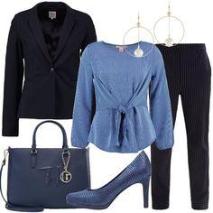 Un outfit indicato per diverse occasioni d'uso composto da blazer blu, collo a bavero, monopetto, abbinato a pantalone blu scuro, in fantasia rigata, vita alta, tasche. Splendida camicetta blu, in fantasia rigata, scollo tondo, motivo di nodo in vita, décolleté blu, lavorazione a righe, punta tonda, plateau, tacco a spillo, shopping bag blu, Trussardi Jeans, logo, charm tracolla, orecchini pendenti dorati con perla.