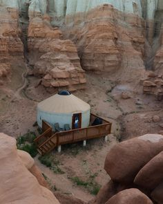 The Camping And Caravanning Site. Camping Tips And Advice Straight From The Experts. Camping can be a fun way to forget about your responsibilities. Your trip can be an unmitigated disaster, however, if proper plans are not made. Vacation Destinations, Dream Vacations, The Places Youll Go, Places To See, Camping Car, Campsite, Camping In Utah, Voyage En Camping-car, Travel