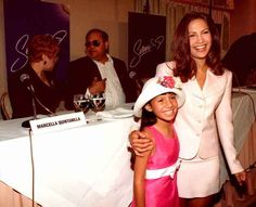 An estimated 22,000 actresses were screened for the role of Selena Quintanilla. Eventually, Jennifer Lopez was selected, with 9-year-old Becky Lee Meza playing her as a child.